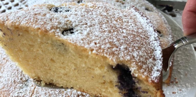Zitronenkuchen Mit Schmand Und Heidelbeeren Lindenthalerin